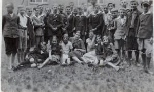 011_W szkolnym ogrodzie 1933_1